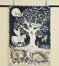 Forivor's Enchanted Forest Reversible Quilted Blanket is luxuriously soft and could be used as a first playmat for babies or as a beautiful duvet for toddlers