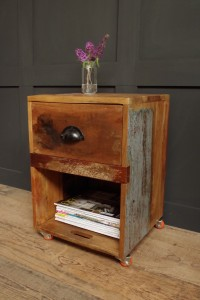Wooden_Crate_Side_Table_on_Wheels