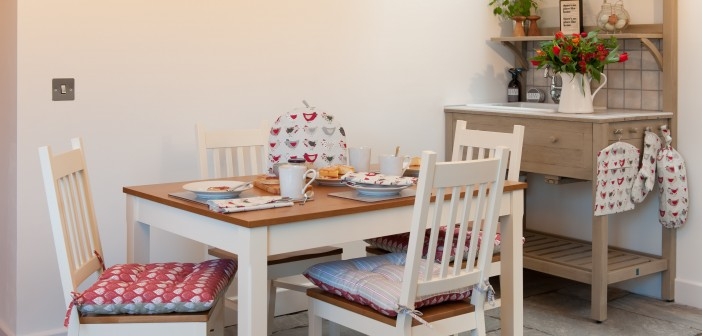 Mix and match fabric prints for eclectic country dining