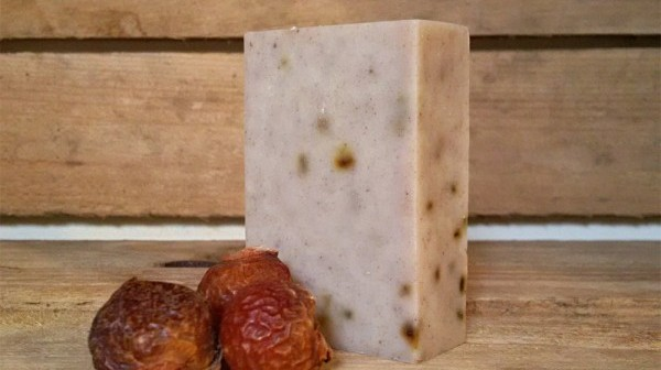 Veganuary Day 21 – Rhassoul & Rosemary Soapnut Shampoo Bar